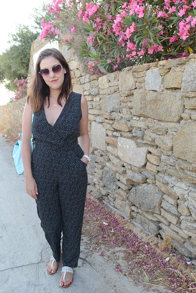 Shop and Twirl | Strolling Through Mykonos 1