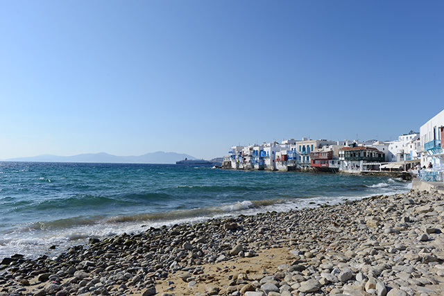 Shop and Twirl | Moments from Mykonos 15